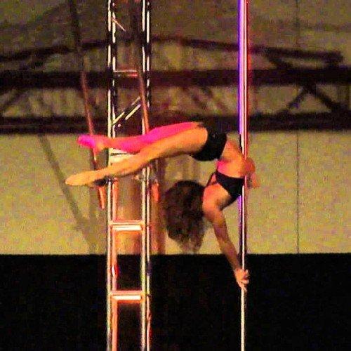 Jenyne Butterfly la diosa del Pole Dance