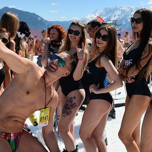 ¿¡Frio!? Snowboard en traje de baño