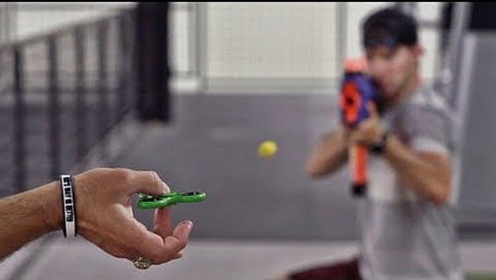 Los trucos más complicados que vas a ver con un Fidget Spinner