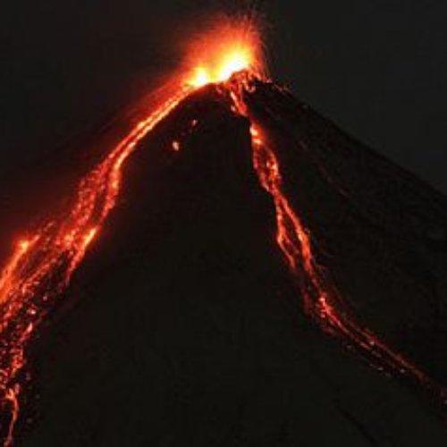 Despierta en Guatemala el volcán de fuego