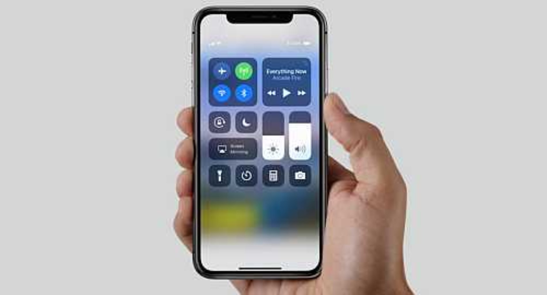 Brooke Amelia publico un vídeo donde sale un iPhone X y Apple despide a su padre, quien trabajaba para ellos