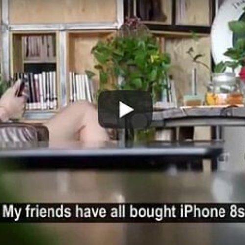 Joven subasta su virginidad a cambio de un iPhone 8 y recibe una lección que no olvidará nunca