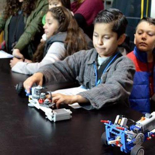 Por comenzar el diplomado de robotica en El Trompo