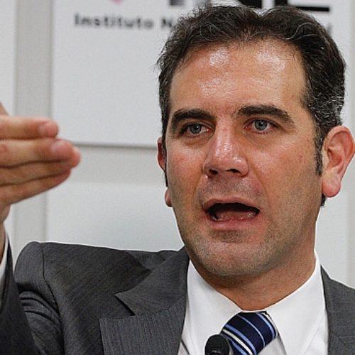 """INE nos dice que AMLO gana con 30 millones de votos y el 53.18%"""". Ni todos juntos podrían contra él"""